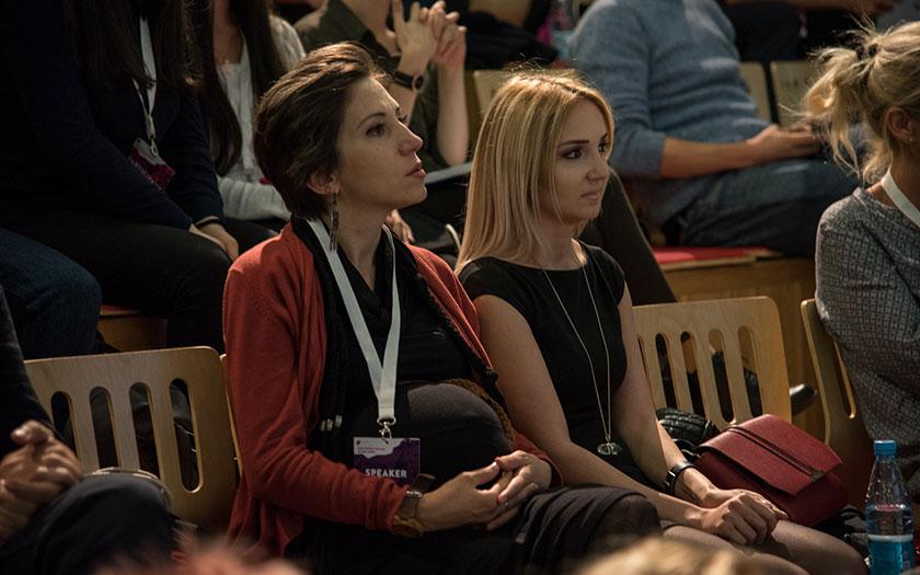 Winners of Armenian typefaces Hrachuhi Grigoryan and Liana Shushanyan